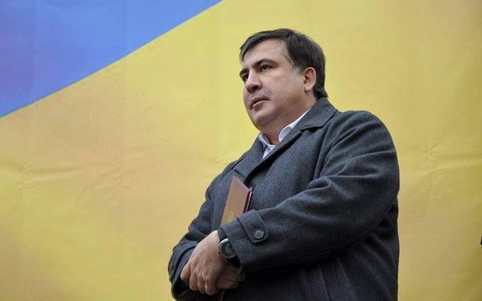 Выводили за волосы: опубликовано новое видео задержания Саакашвили