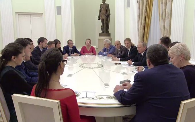 Принизливий діалог Путіна і вчителів обурив соцмережі: з'явилося відео