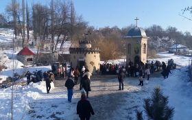 Водохреща в Кропивницькому ледь не переросло в бійку через російську пісню: з'явилося відео