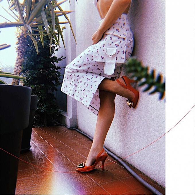 Щаслива і красива: Тіна Кароль знялася у ніжній фотосесії (1)