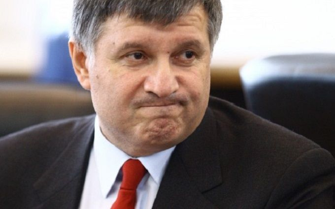 Навколо Авакова розгорається скандал через автомати і гвинтівки: опубліковані фото і відео