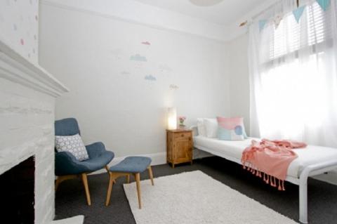 Круті ідеї, який допоможуть з оформленням дитячої спальні в стилі Mid-centry modern (17 фото) (11)