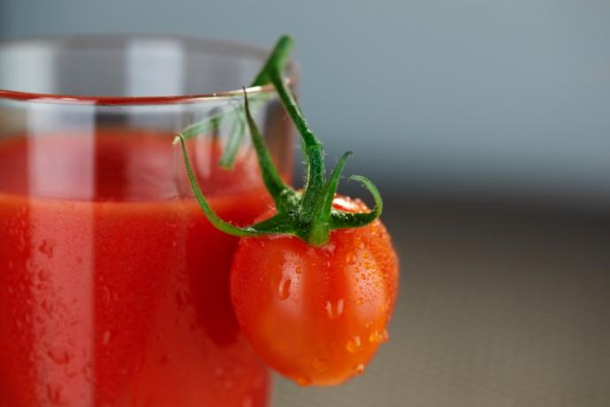Обнаружены полезные свойства томатного сока для борьбы с раком