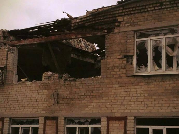 Донбасс после обстрелов боевиков: появились впечатляющие фото (1)