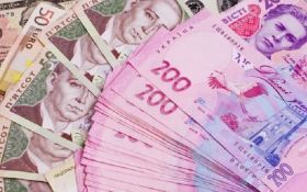 Вышгородский налоговик получил от матери в подарок 2 млн гривень