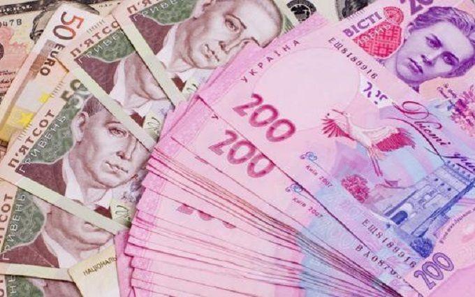 Розслідування: УКиївській області податківцю 2 млн гривень подарувала його мати