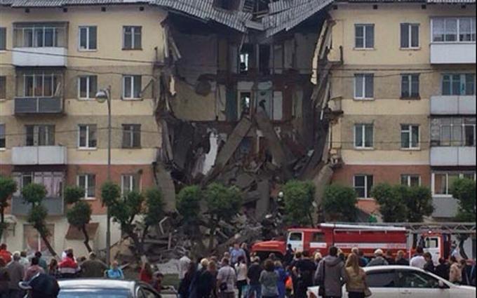 У Росії обвалився житловий будинок: опубліковані фото і відео