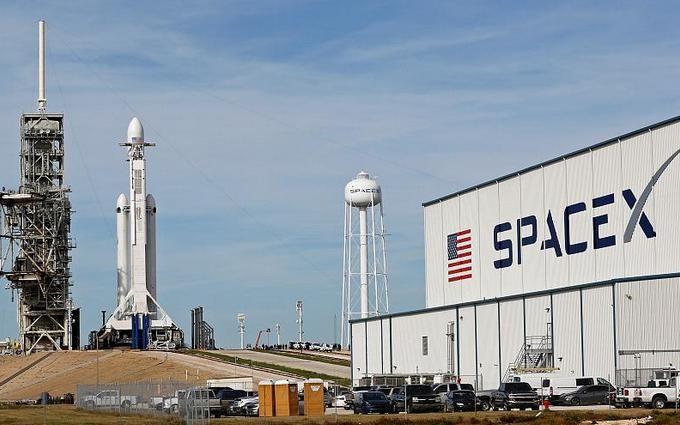 SpaceX массово увольняет сотрудников: известна причина