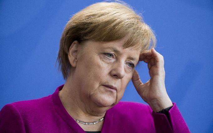 Миграционный конфликт: глава МВД Германии готов выдвинуть Меркель ультиматум