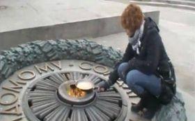 """ЕСПЧ заставит Украину выплатить компенсацию активистке, жарившей яичницу на """"Вечном огне"""""""