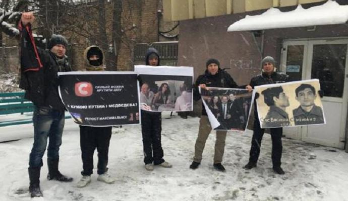 Представители Правого сектора требуют от СТБ снять с эфира шоу с Марченко