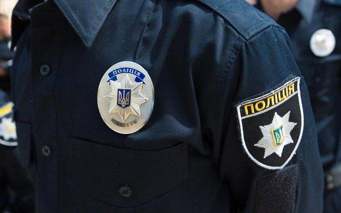 У Києві копи врятували людей на пожежі: опубліковано драматичне відео