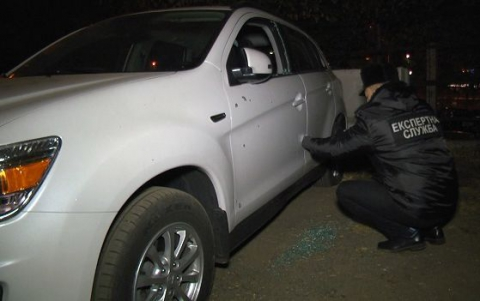 У Києві від вибуху гранати пошкоджено три автомобілі (1)