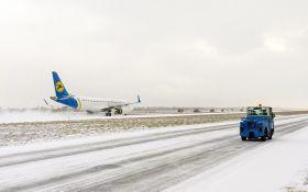 """У """"Борисполі"""" розповіли про вплив негоди на авіарейси"""