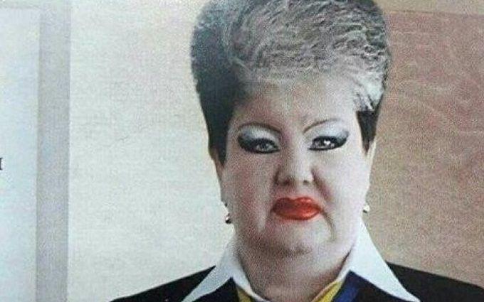 Нашумевшее фото женщины-судьи: соцсети озадачены из-за неожиданных деталей