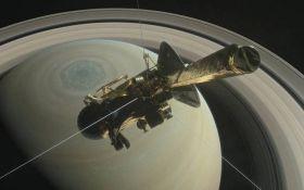 NASA опубликовало уникальные фото Сатурна, сделанные зондом Сassini