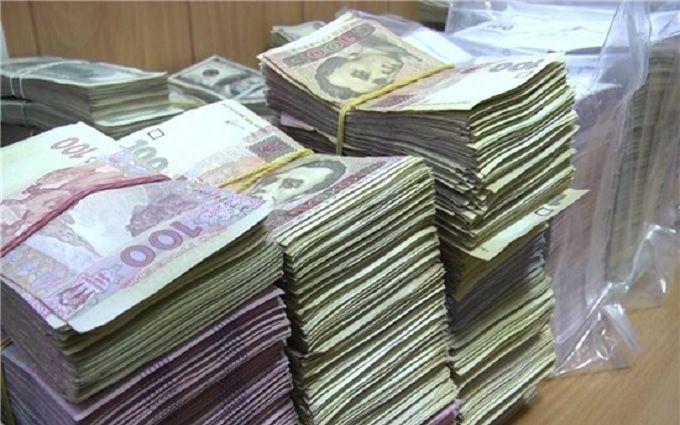 """На Житомирщині викрили конвертцентр, який """"відмив"""" 200 млн гривень"""
