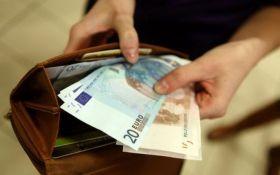 Страны ЕС установили официальный размер минимальной зарплаты: названы цифры