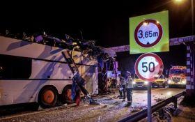 Автобус из Украины попал в ДТП в Будапеште: опубликованы шокирующие фото