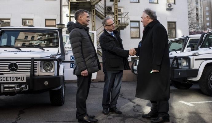 Миссии ОБСЕ передали еще 20 бронеавтомобилей