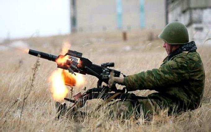 Чи можна українським військовим стріляти по бойовиках: з'явилося нове пояснення