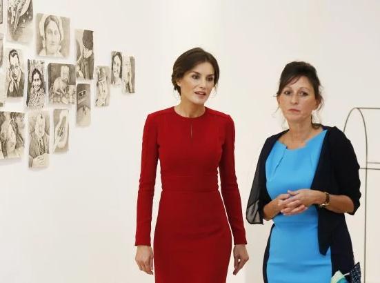 """""""Идеальная женщина"""": королева Испании поразила публику непревзойденным образом (2)"""