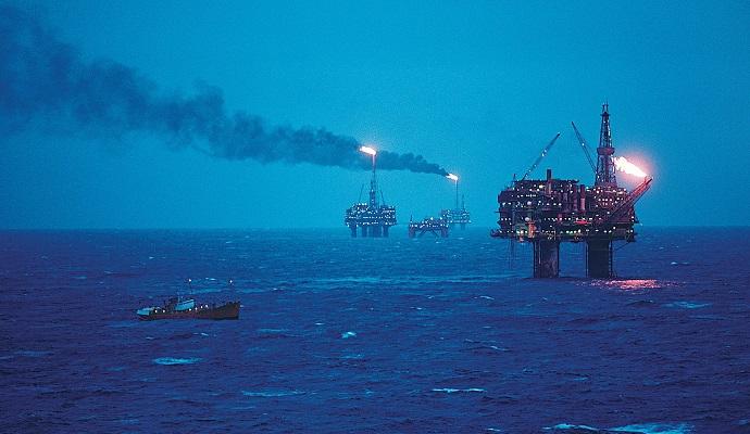 После подъема в среду цены на нефть опять упали