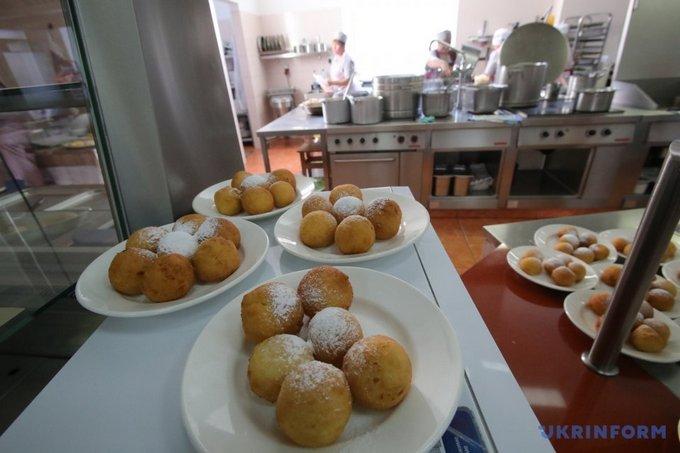 В столовой Верховной Рады день открытых дверей: что едят политики (1)