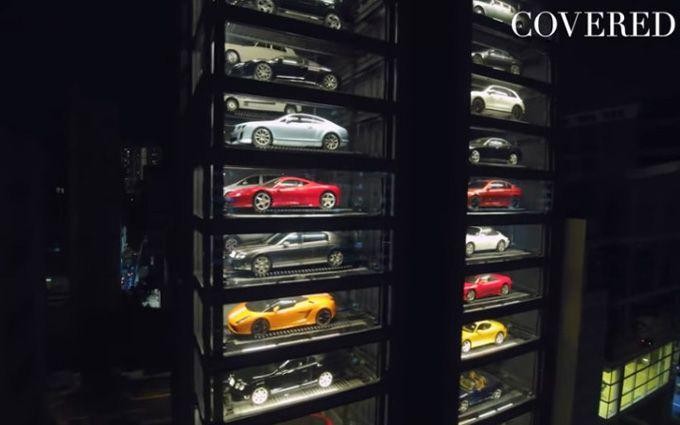 У Сінгапурі відкрили автомат з продажу елітних автомобілів: з'явилося яскраве відео