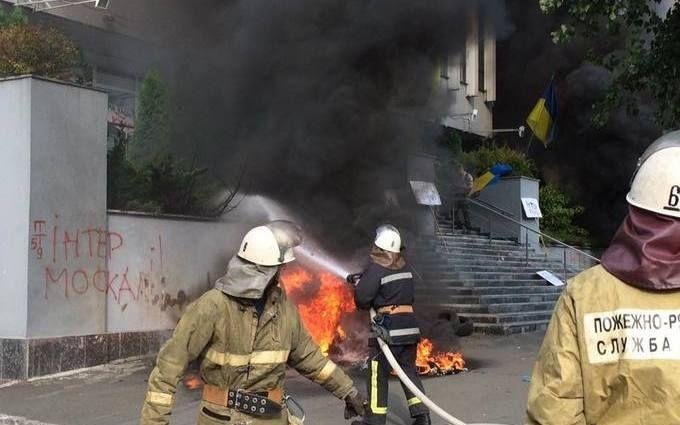 """Пожежа на """"Інтері"""": з'явилося відео затримань """"паліїв"""""""