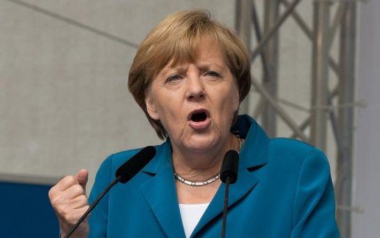 Меркель готова встретиться с Тихановской, чтобы остановить Лукашенко