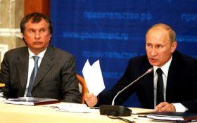 У соратника Путина нецензурно послали журналистов: соцсети закипели