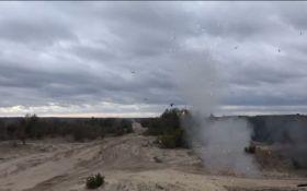 На это можно смотреть вечно: сеть покорило видео испытаний украинских противотанковых ракет