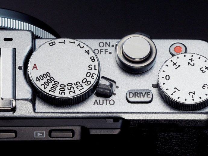 Компанія Fujifilm представила фотокомпакт X70 (5 фото) (4)