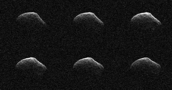 NASA показало комету, пролетевшую мимо Земли: опубликовано видео (1)