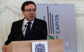 Британский министр ушел в отставку из-за громкого секс-скандала