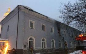"""""""Вколовся і підпалив"""": з'явилися подробиці пожежі на території Києво-Печерської лаври"""
