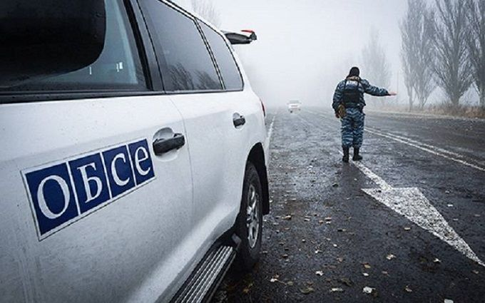 «Уезжайте скорее, миномет работает!». Боевики грозили ОБСЕ