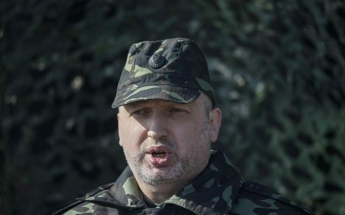 Як Турчинов перевіряв боєготовність на Донбасі: з'явилося відео
