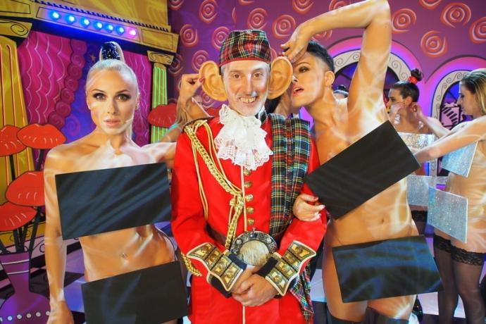 Українки з Nikita станцювали у відвертих костюмах з Жаном-Полем Готьє: опубліковані фото (2)