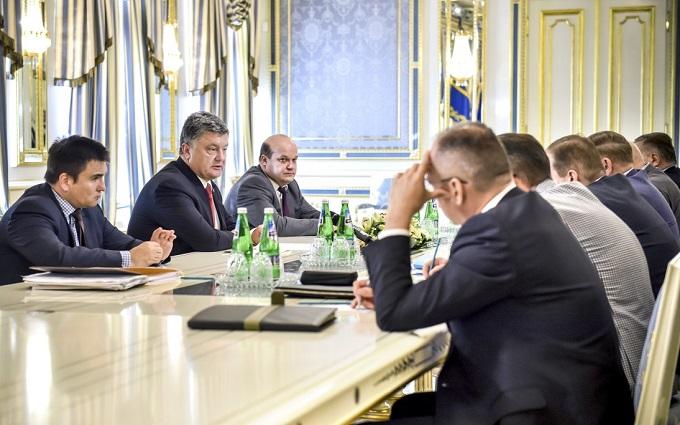 Решение по отставке Яценюка на совещаниях у президента не принималось - Луценко