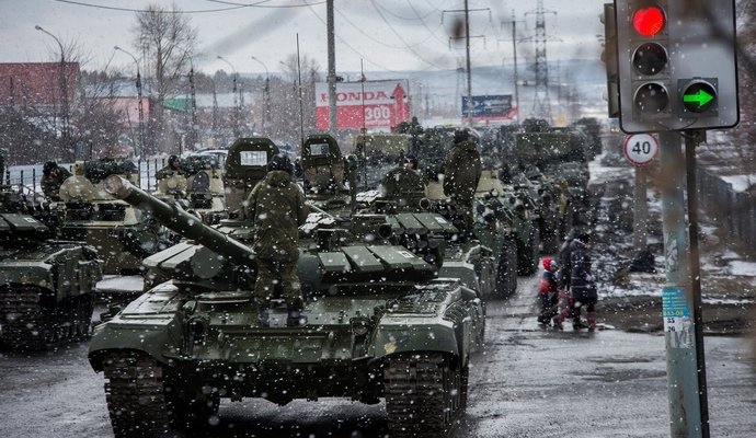Под Донецком замечены танки и грады