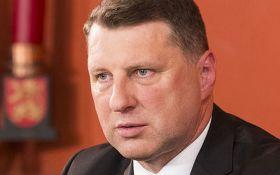 Президент Латвии едет на Донбасс: названа причина
