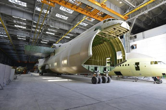 Україна знайшла країну, для якої будуватиме літаки: опубліковані фото (1)