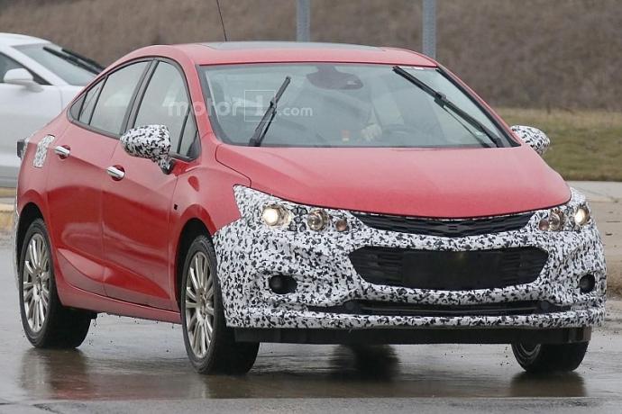 Компанія Chevrolet вивела на тести гібридний Cruze (5 фото)