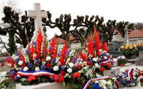 Вандали осквернили могилу великого француза: з'явилося фото