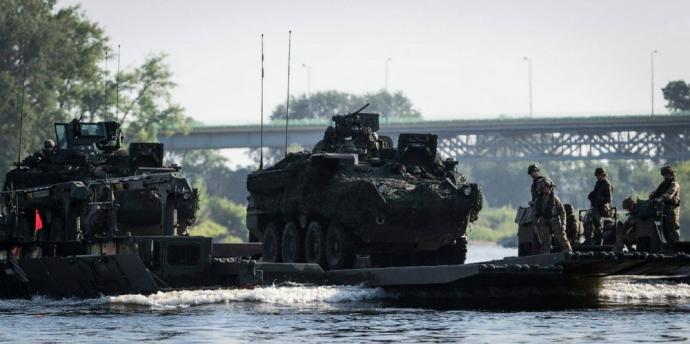 Війська НАТО показали, як можуть наступати: опубліковані яскраві фото (1)