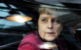 Ледь стримувала сльози: якою була прощальна промова Ангели Меркель
