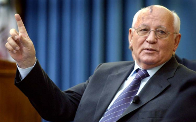 """В мережі """"поєднали"""" Горбачова і Крим: опубліковано смішне фото"""