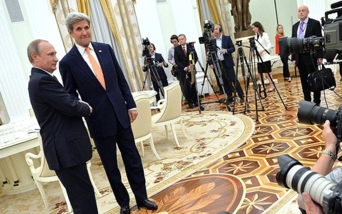 Підсумки зустрічі Путіна і Керрі: з'явився коментар Кремля